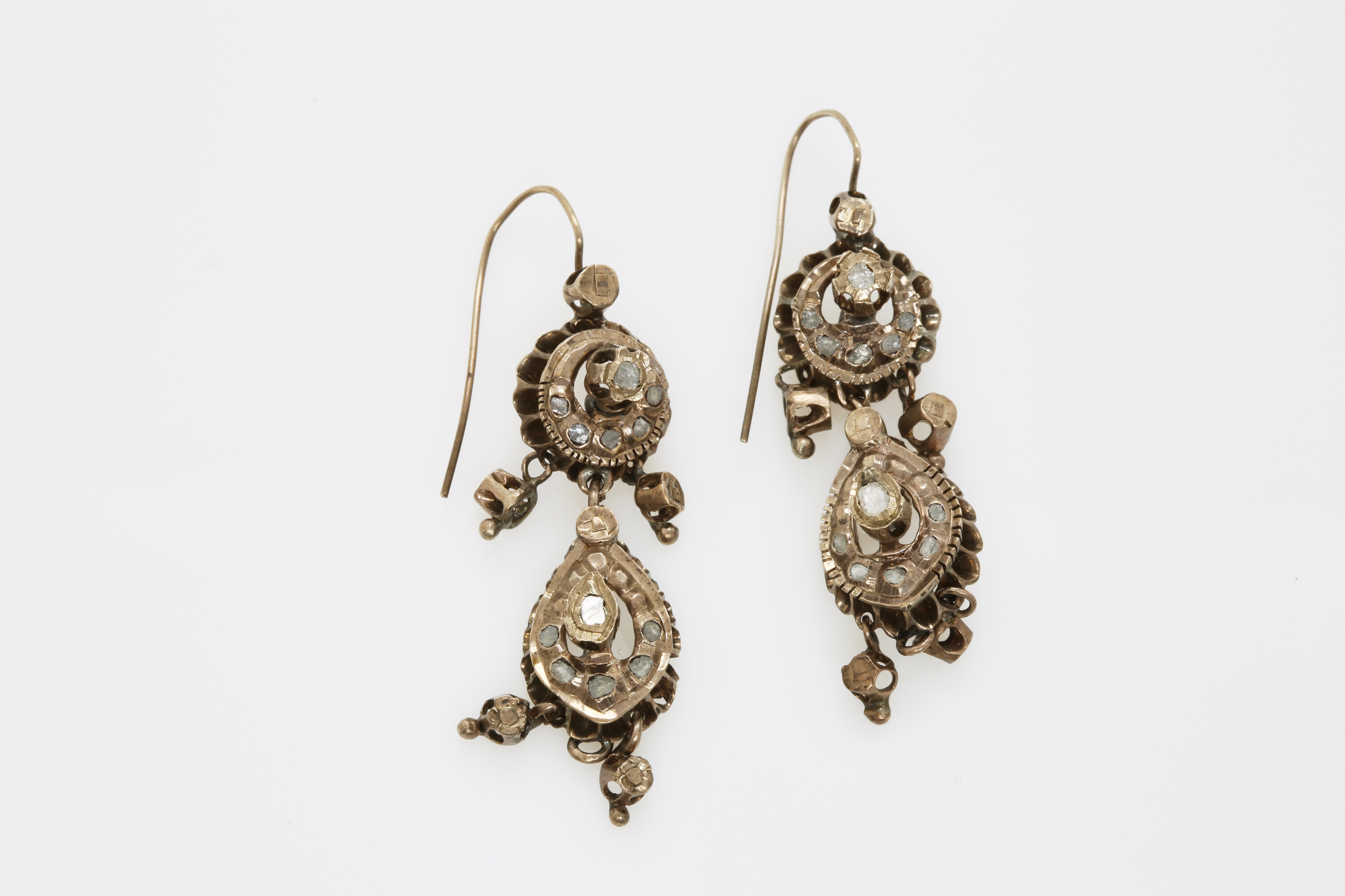 A pair of late 19th century Constantinople gold earrings with diamonds. Approx: 11 gr - Image 2 of 2