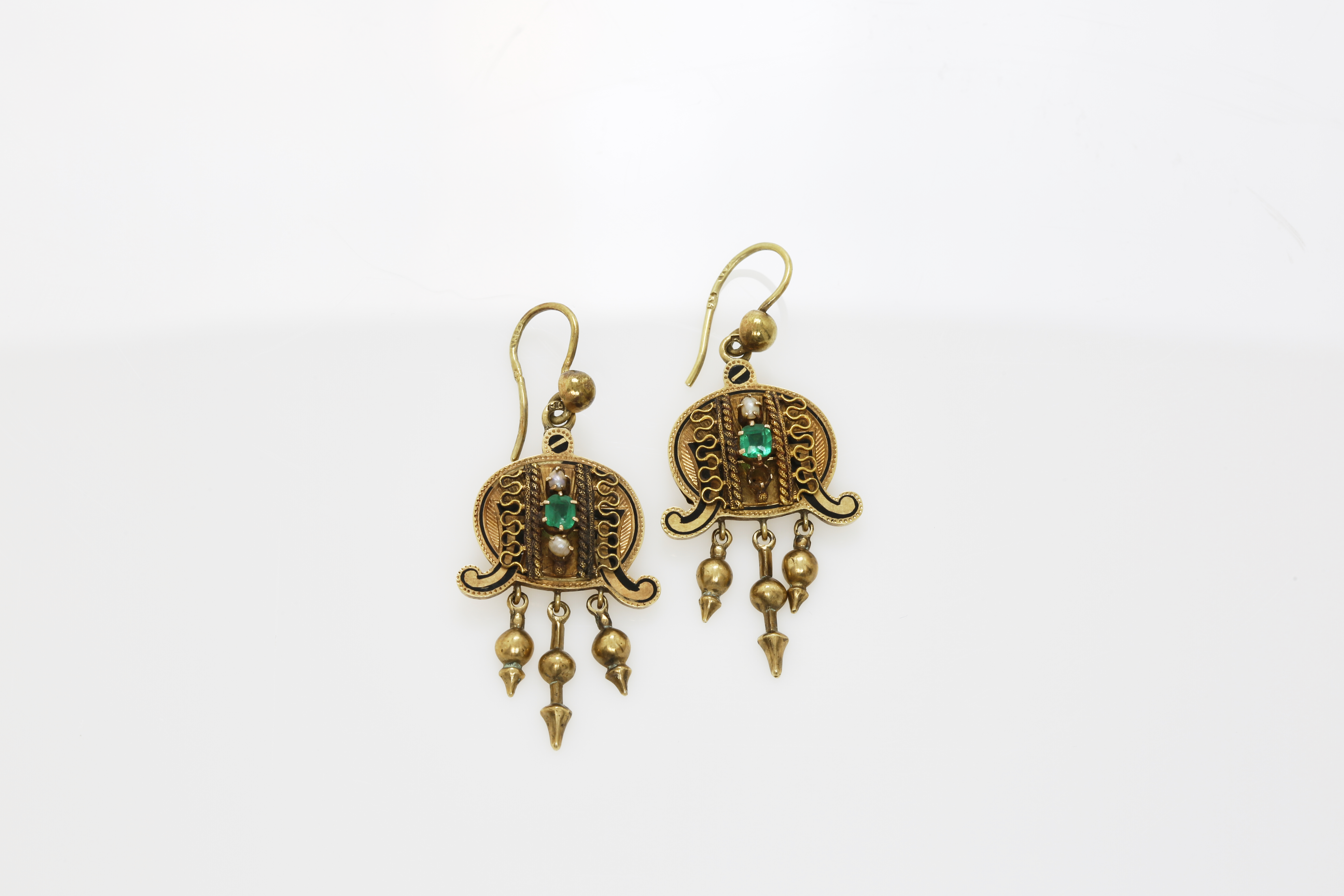 A pair of late 19th century Constantinople gold earrings. Approx: 10 gr - Image 2 of 2