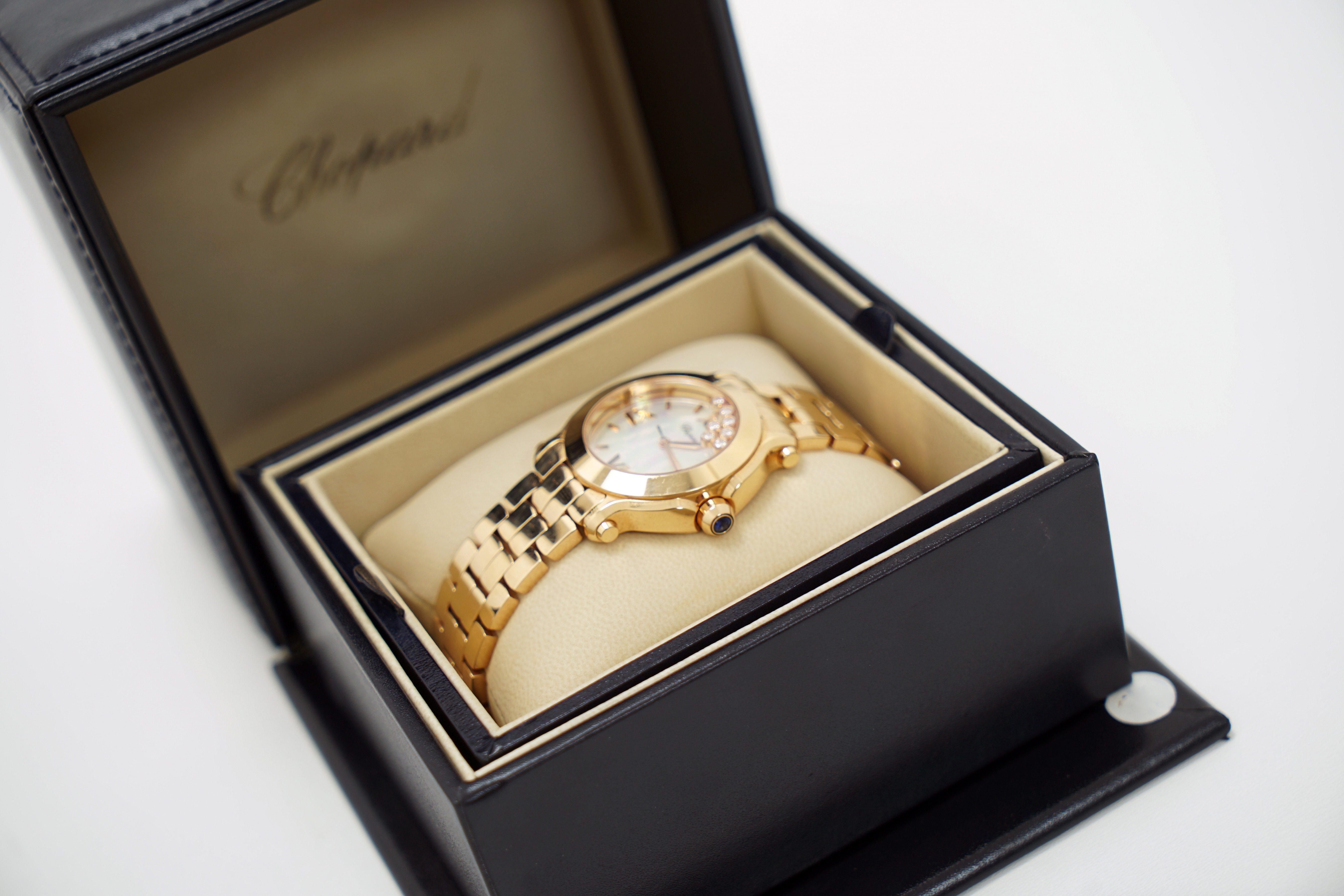 A Lady's 18K Rotgold Chopard Happy Sport Wristwatch with 1 Sapphire and 7 Diamonds - Image 8 of 10