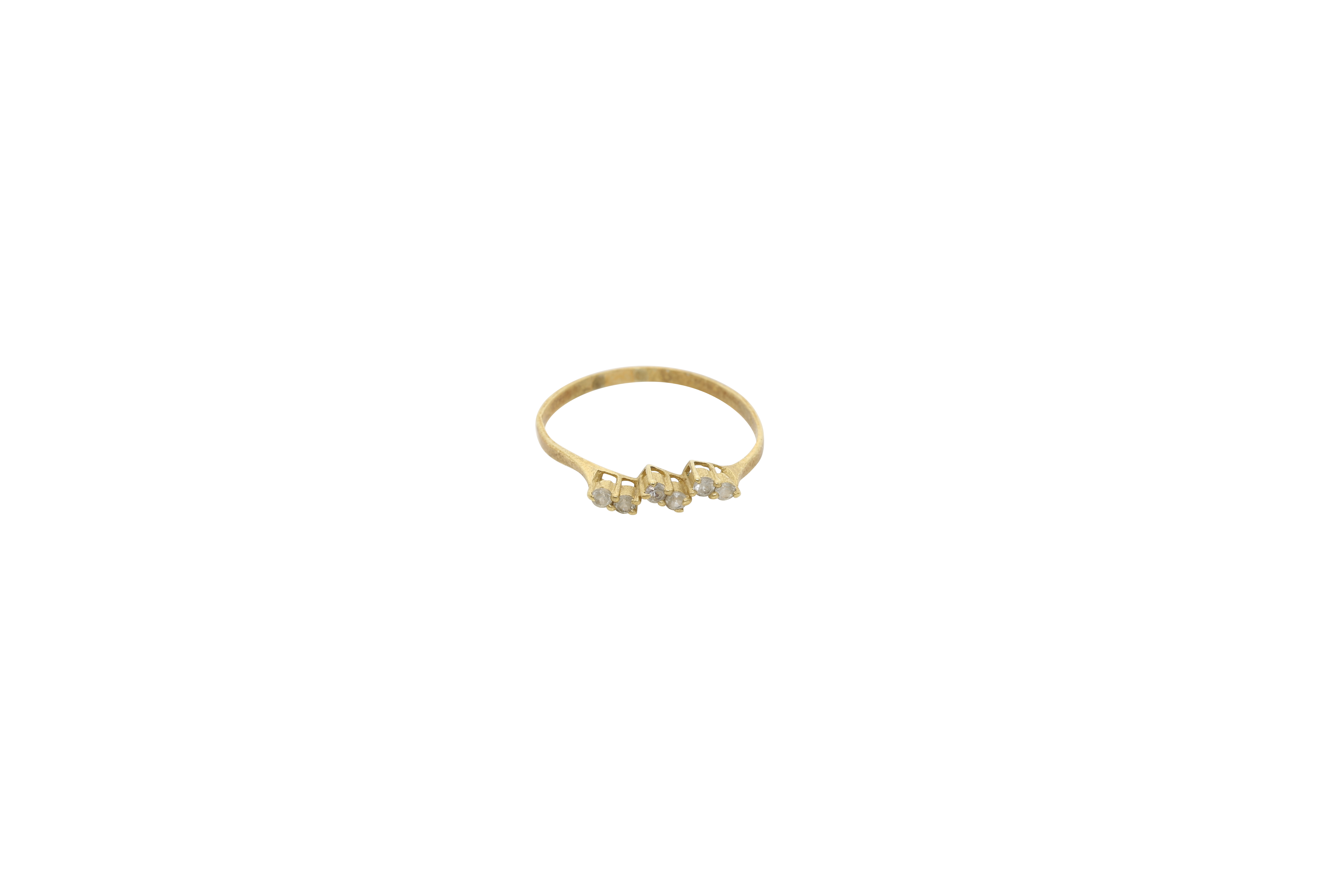 A Lady's gold ring. Approx: 1 gr.