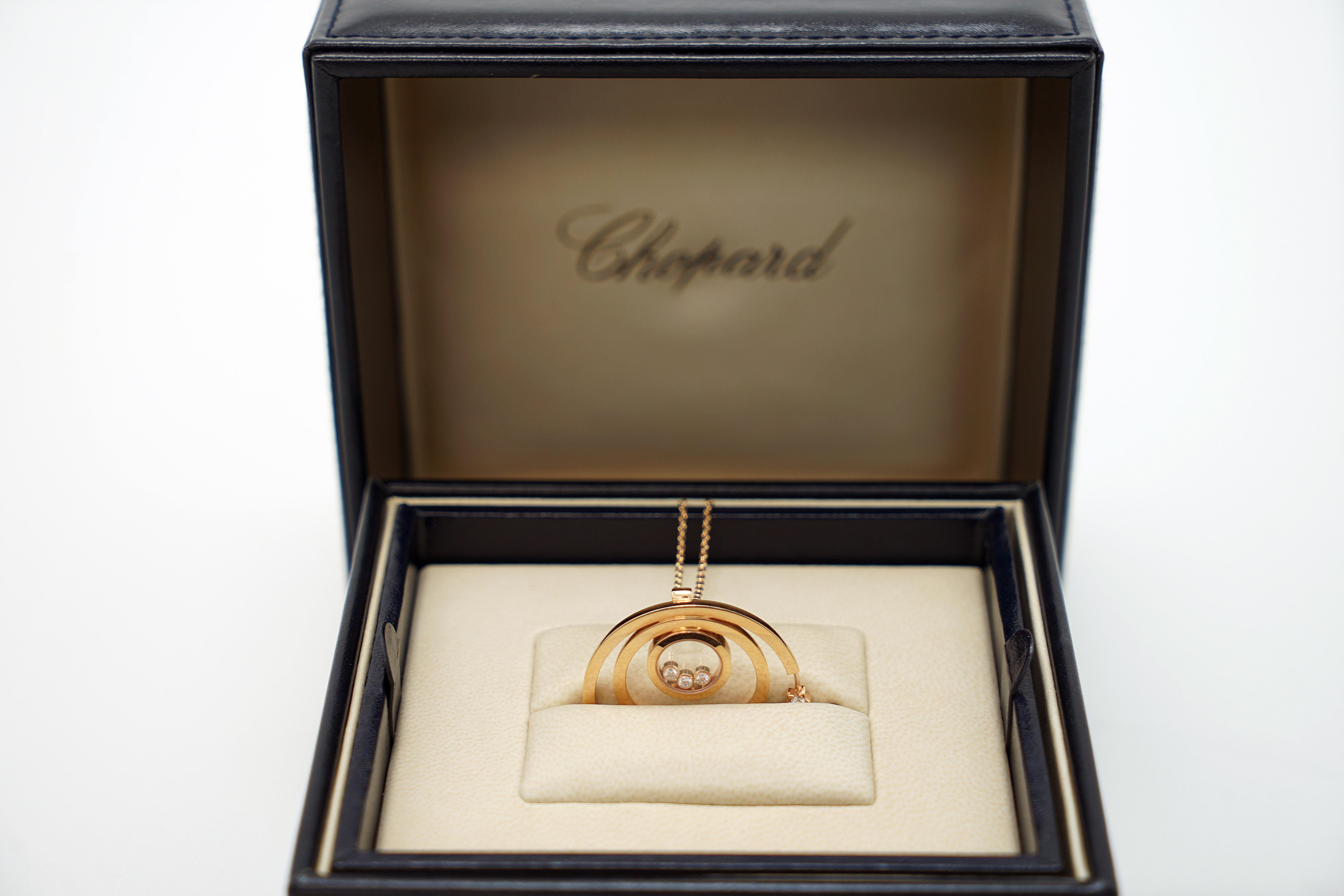 A Lady's Chopard 18K Rose Gold , Happy Diamonds pendant - Image 3 of 9