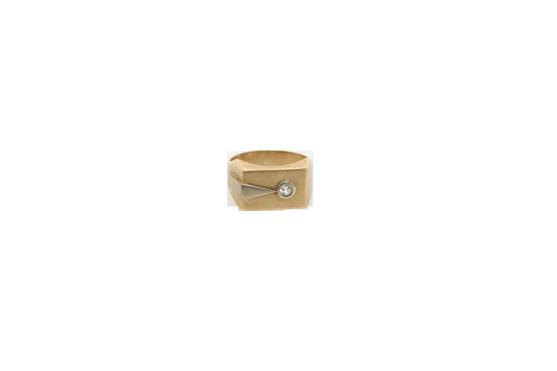 A Gentleman's gold ring. Approx: 4 gr.
