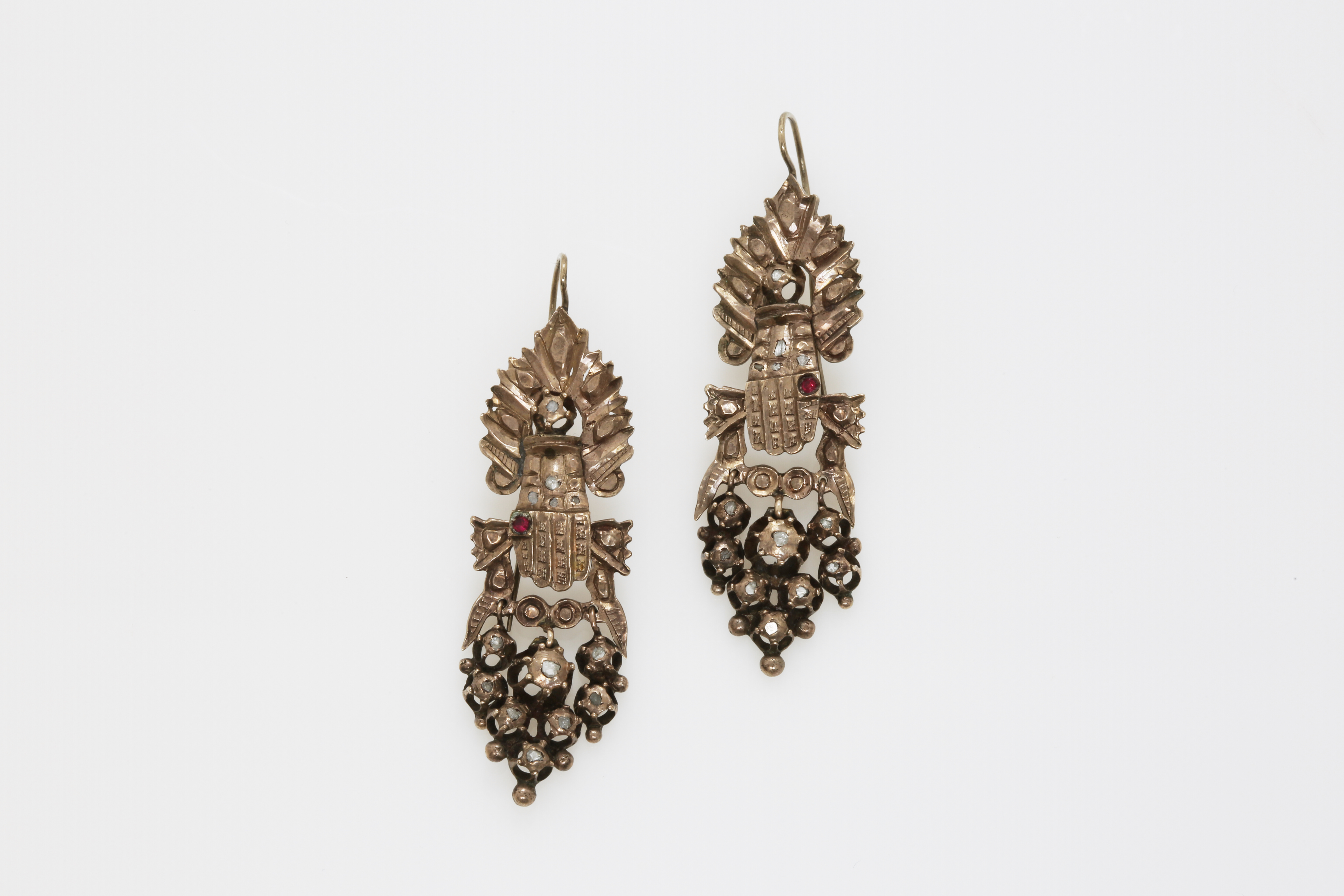 A pair of early 20th century Constantinople white gold earrings with diamonds. Approx: 12 gr - Image 2 of 2