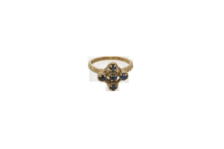A circa 1900 9 carat gold ring. Approx: 3 gr.