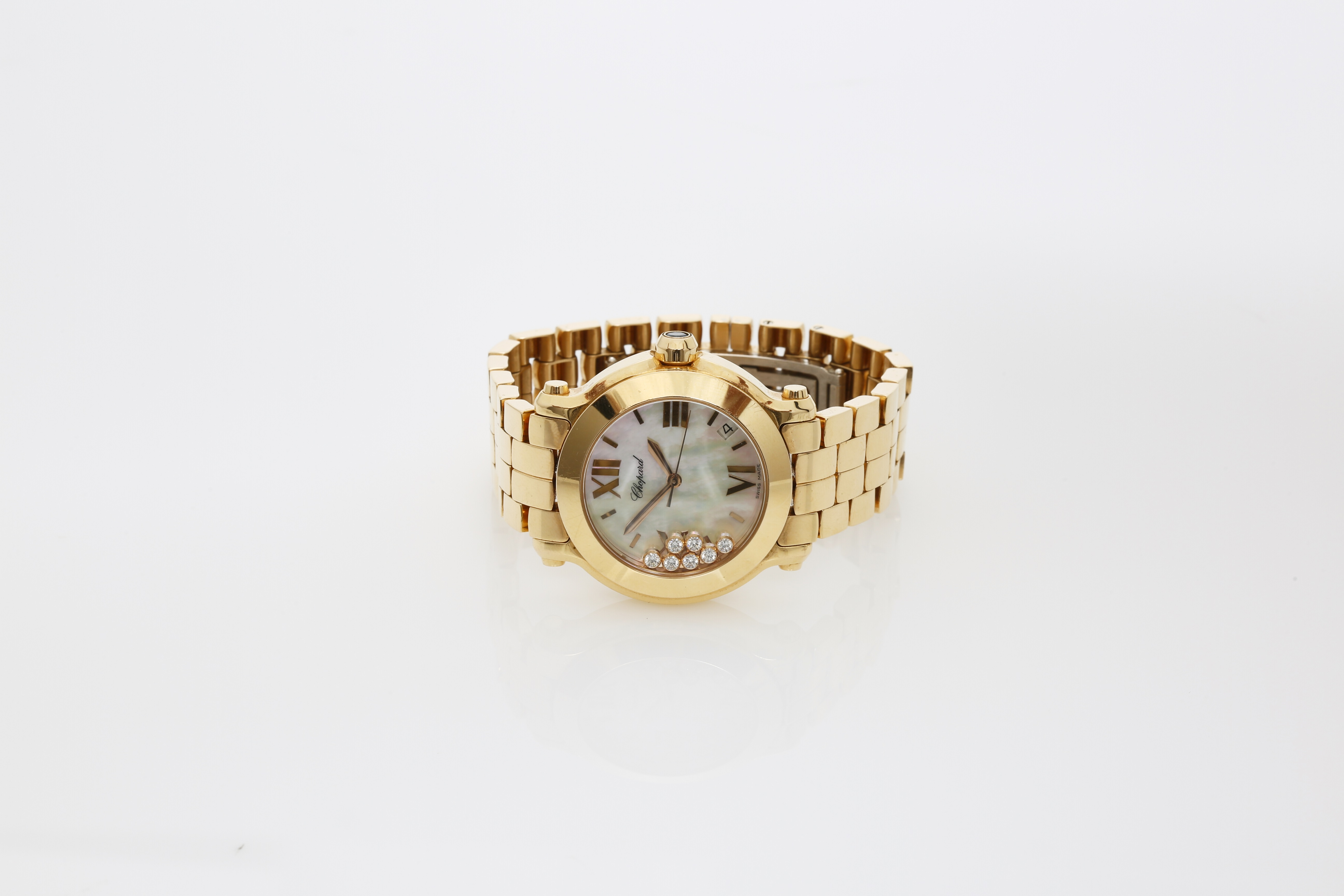 A Lady's 18K Rotgold Chopard Happy Sport Wristwatch with 1 Sapphire and 7 Diamonds - Image 4 of 10