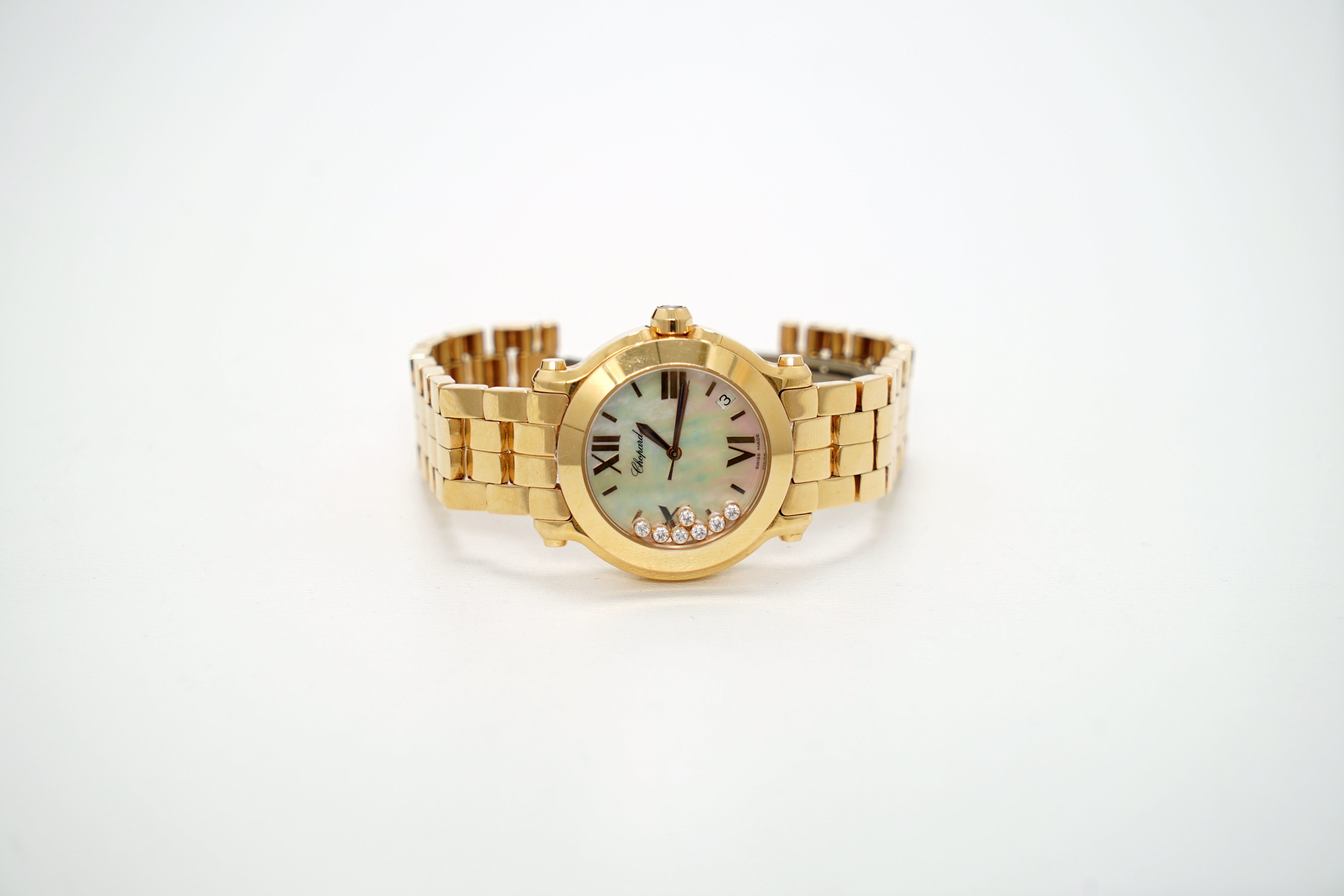 A Lady's 18K Rotgold Chopard Happy Sport Wristwatch with 1 Sapphire and 7 Diamonds - Image 9 of 10