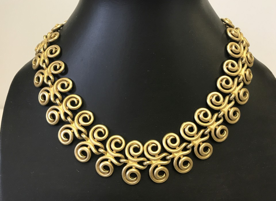 Lot 1007 - Designer collar style necklace by Erwin Pearl.