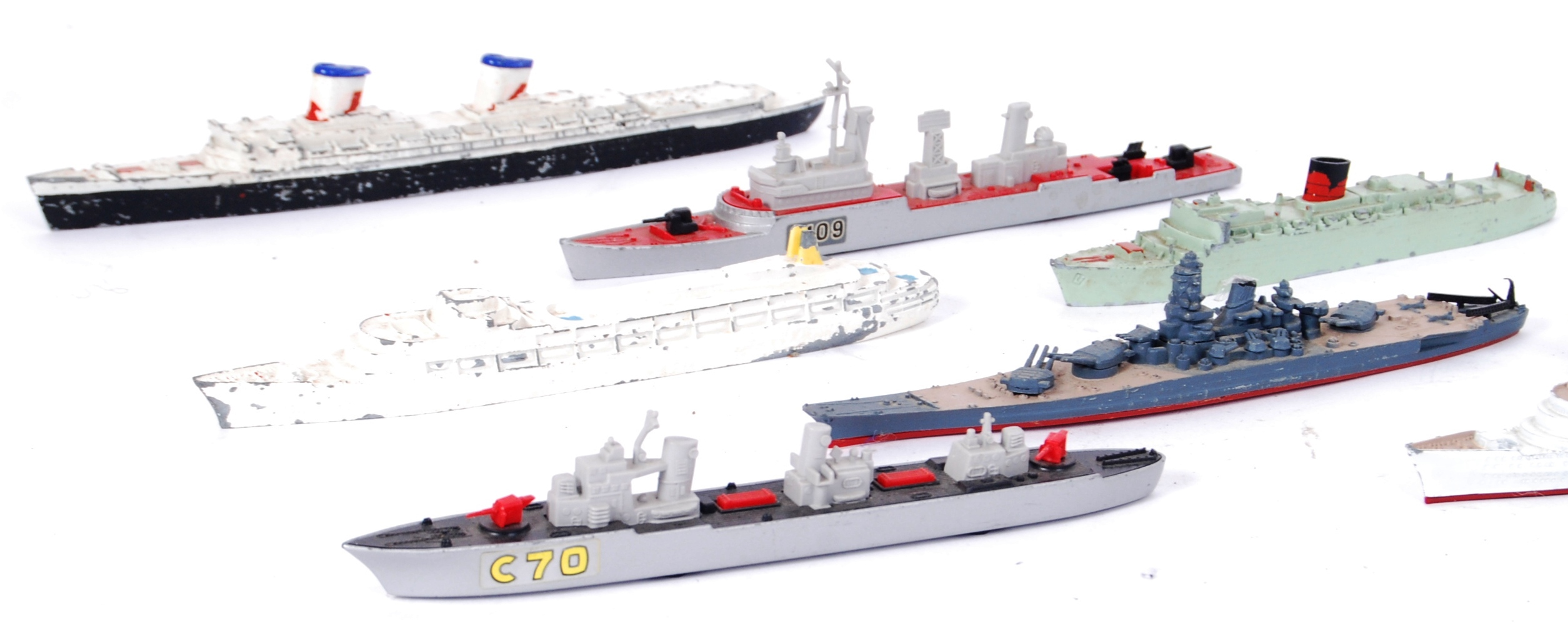 Lot 34 - TRI ANG/ MATCHBOX SHIPS