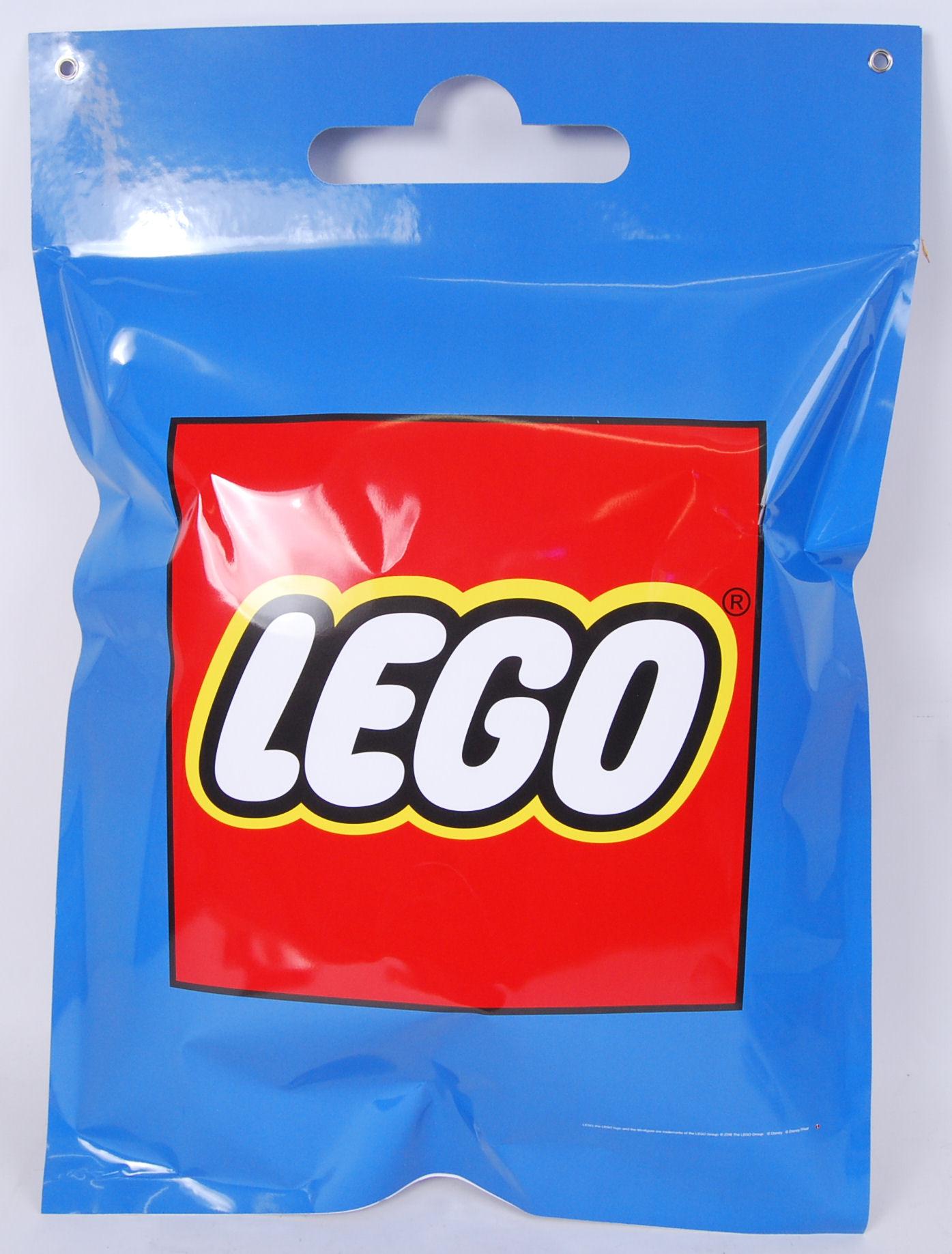 Lot 1 - LEGO