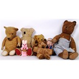 Lot 24 - VINTAGE TEDDY BEARS