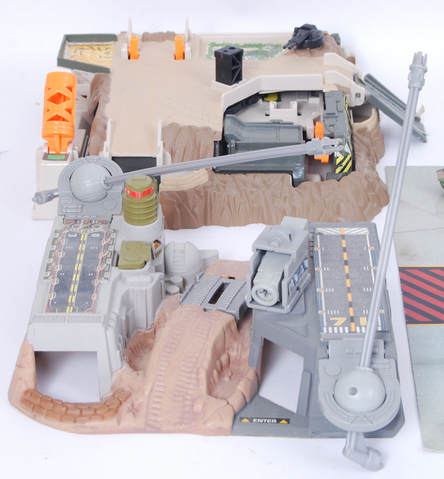 Lot 48 - AREA 51 PLAY SET