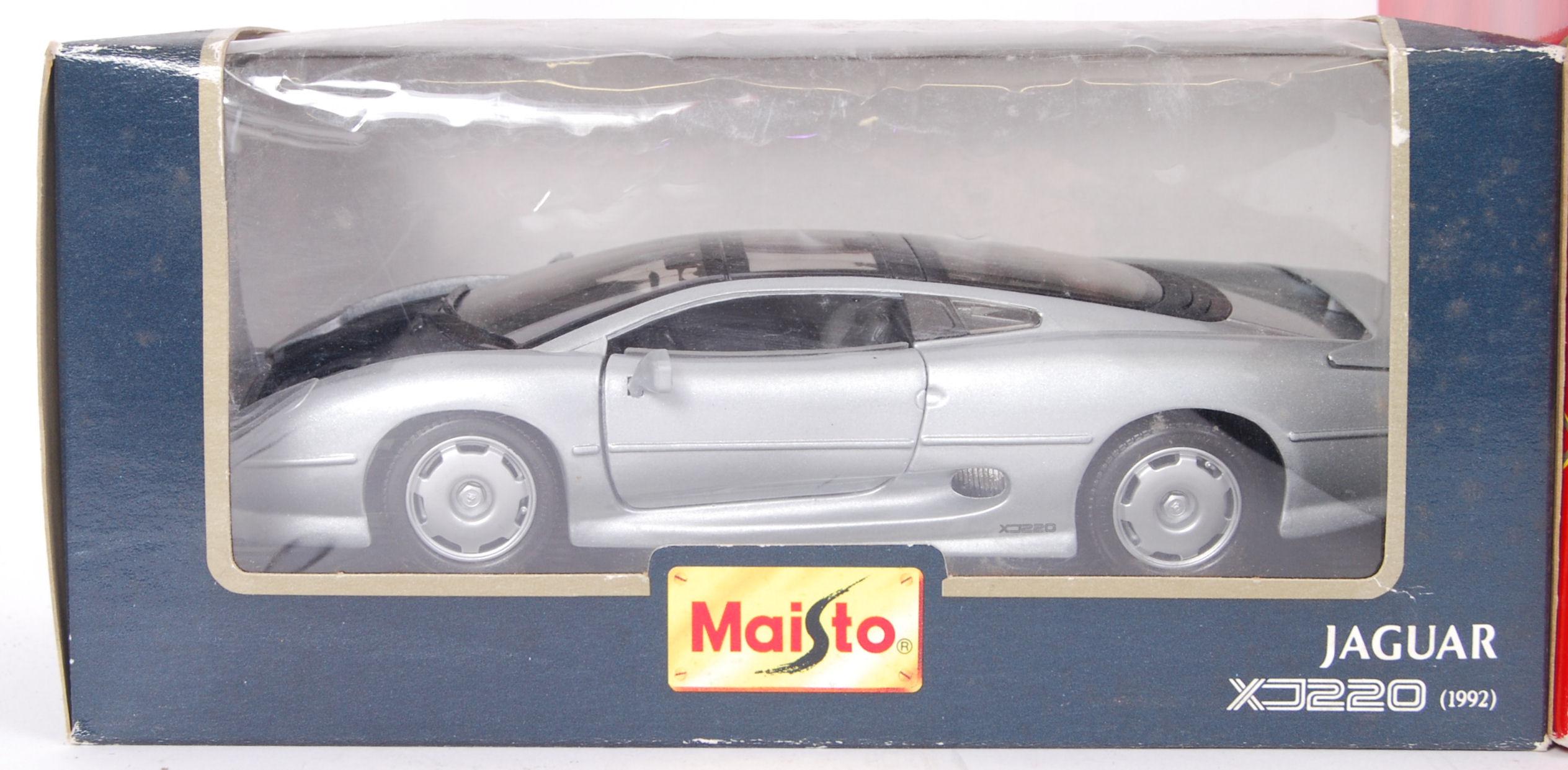 Lot 14 - MAISTO & TONKA