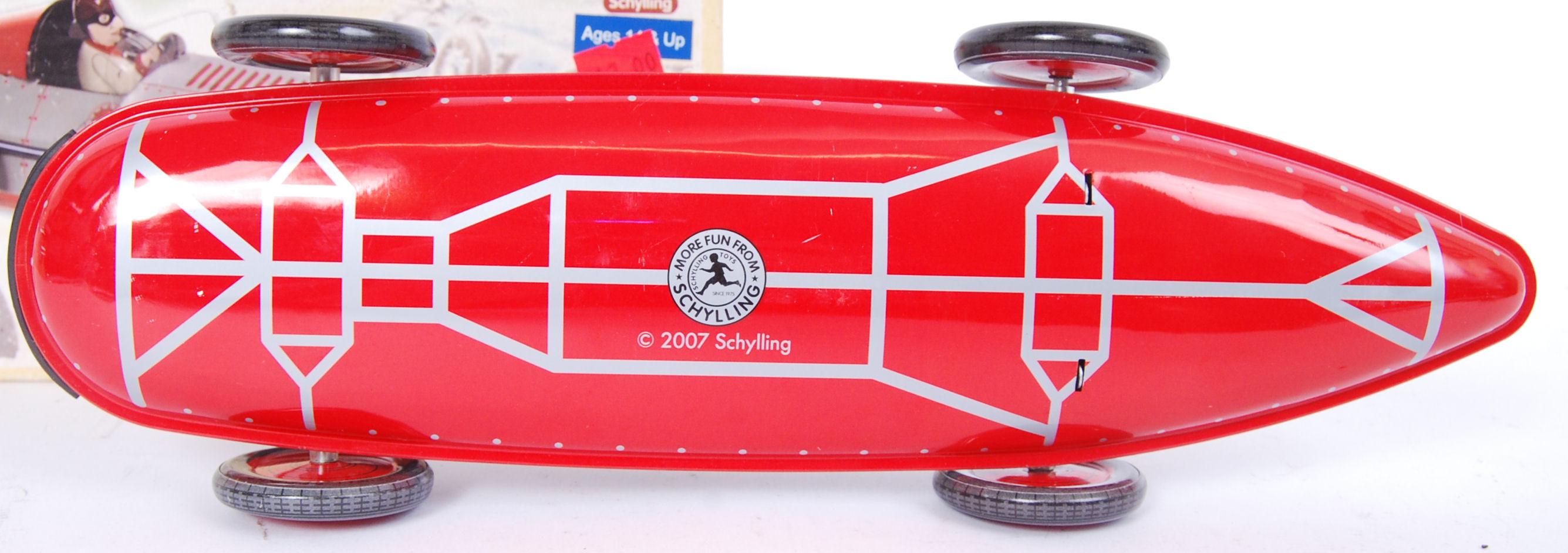 Lot 8 - SCHYLLING SPIRAL CAR