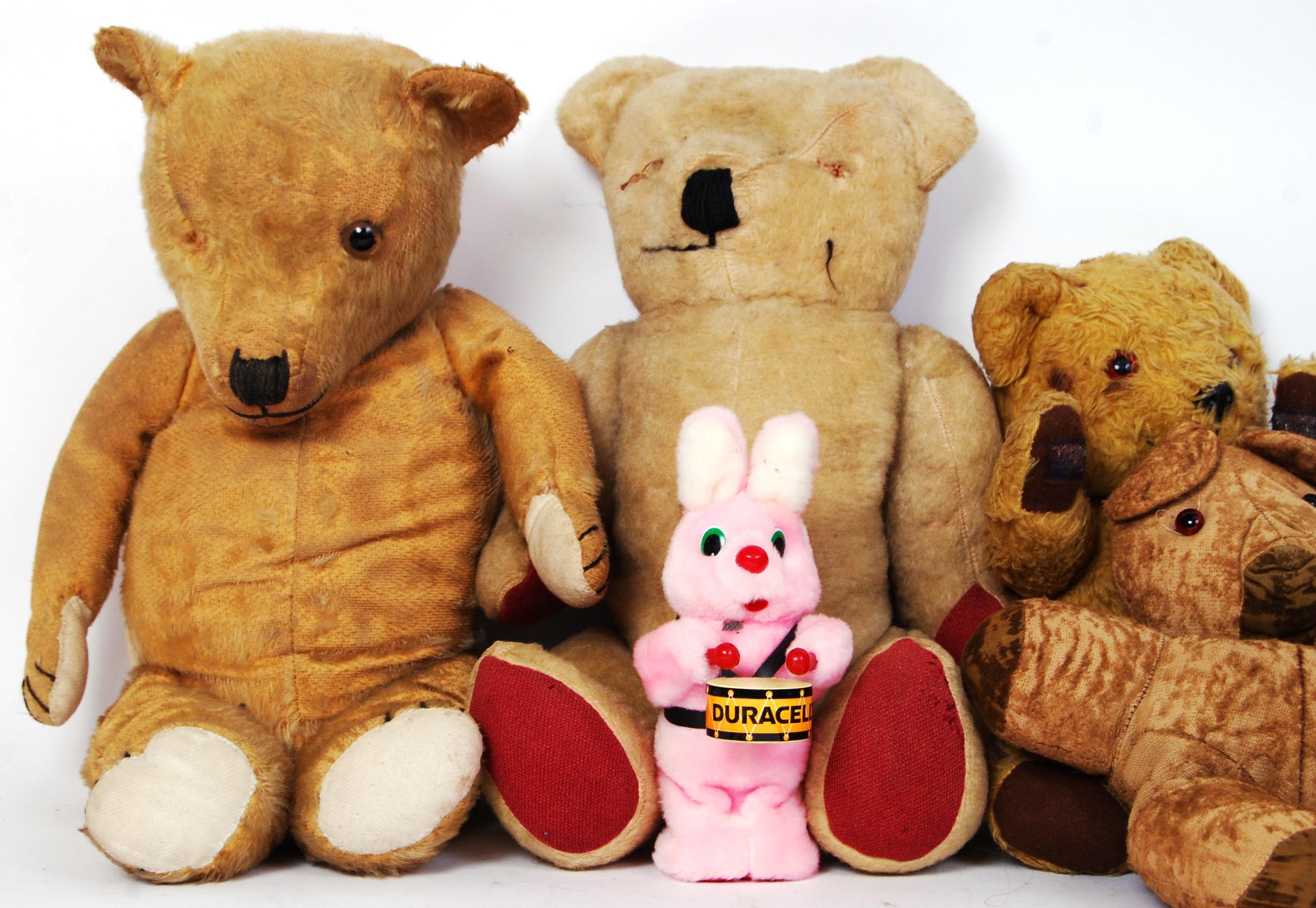 Lot 24 - VINTAGE TEDDY BEARS