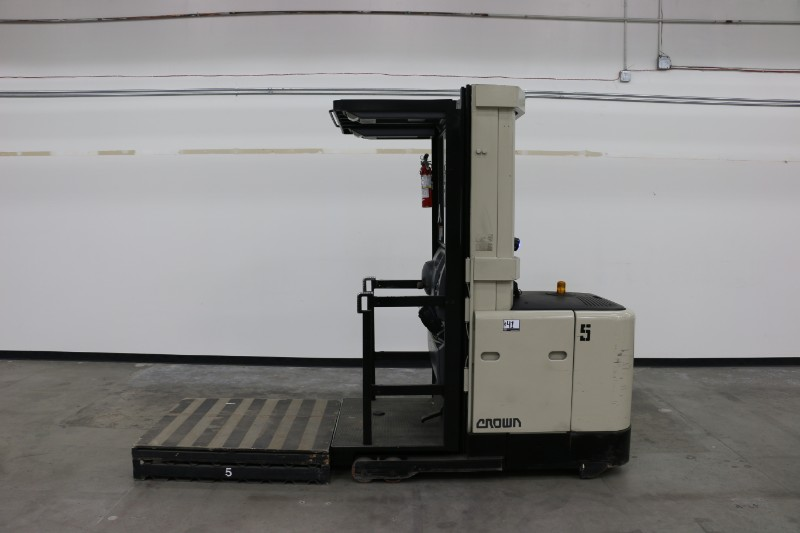 """Lot 41 - Crown SP3020-30 Order Picker, electric, 3000lb capacity, 210"""" lift height, s/n 1A170022, with"""