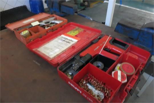 Array - 2  power fastner guns  1  hilti dx450  1  condisa obo  rh   bidspotter co uk