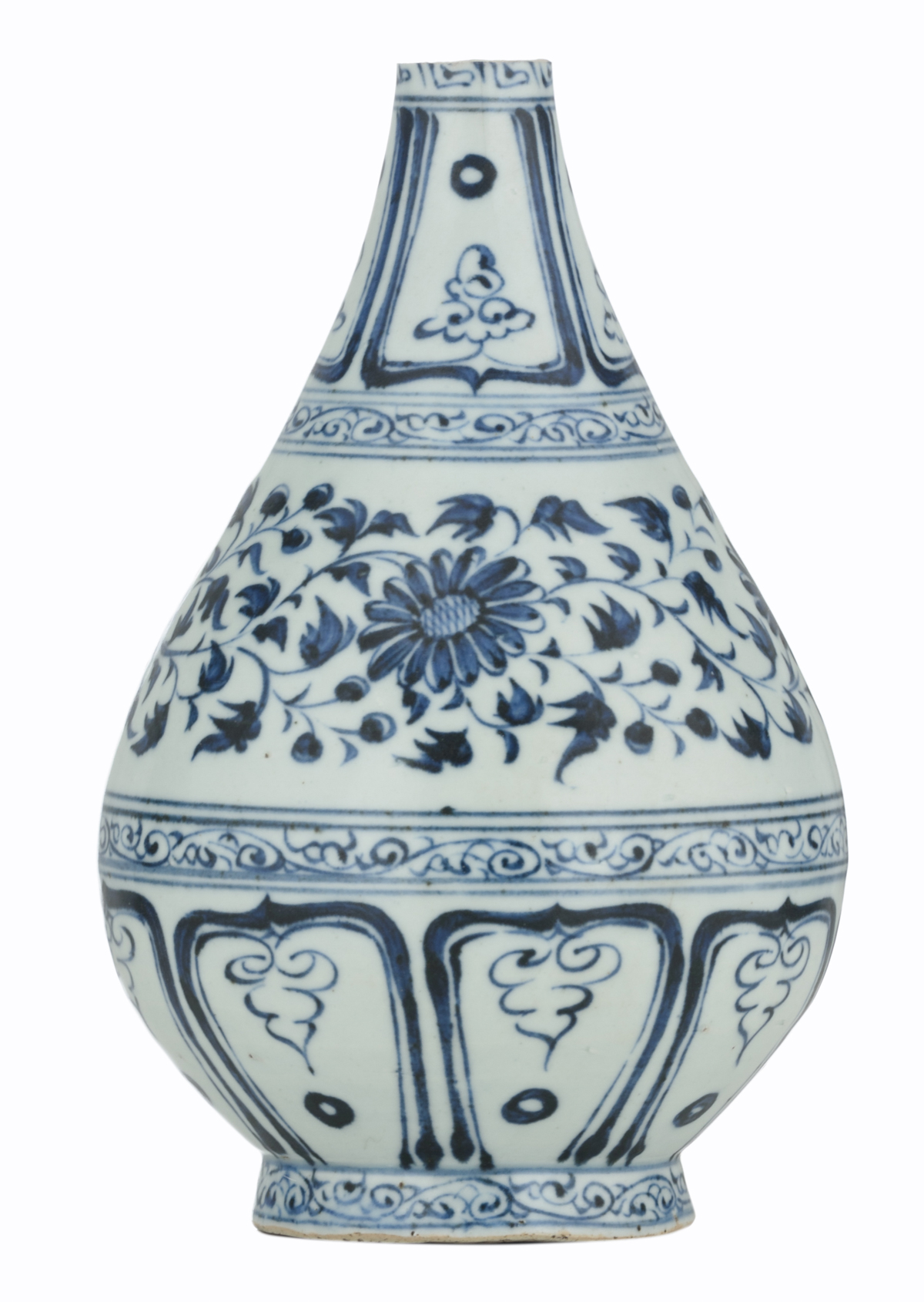 A Chinese blue and white floral decorated Ming type bottle vase, 17thC, H 21,5 cm
