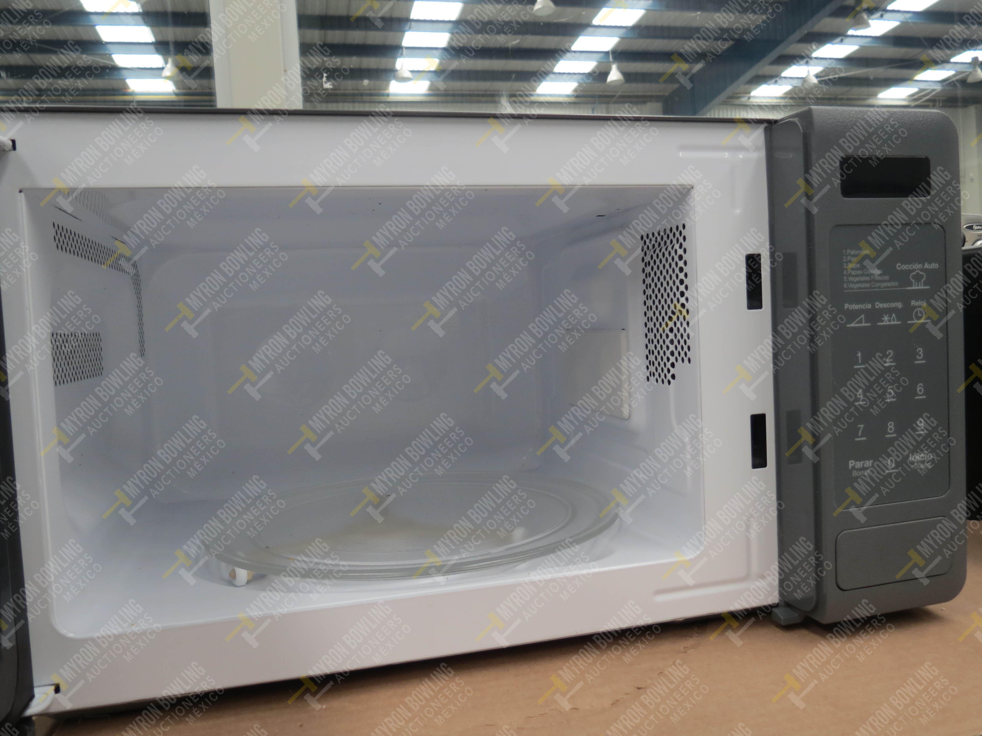 Horno de microondas marca Daewoo, Modelo K0R-667DG, No. de Serie 30650 - Image 4 of 4
