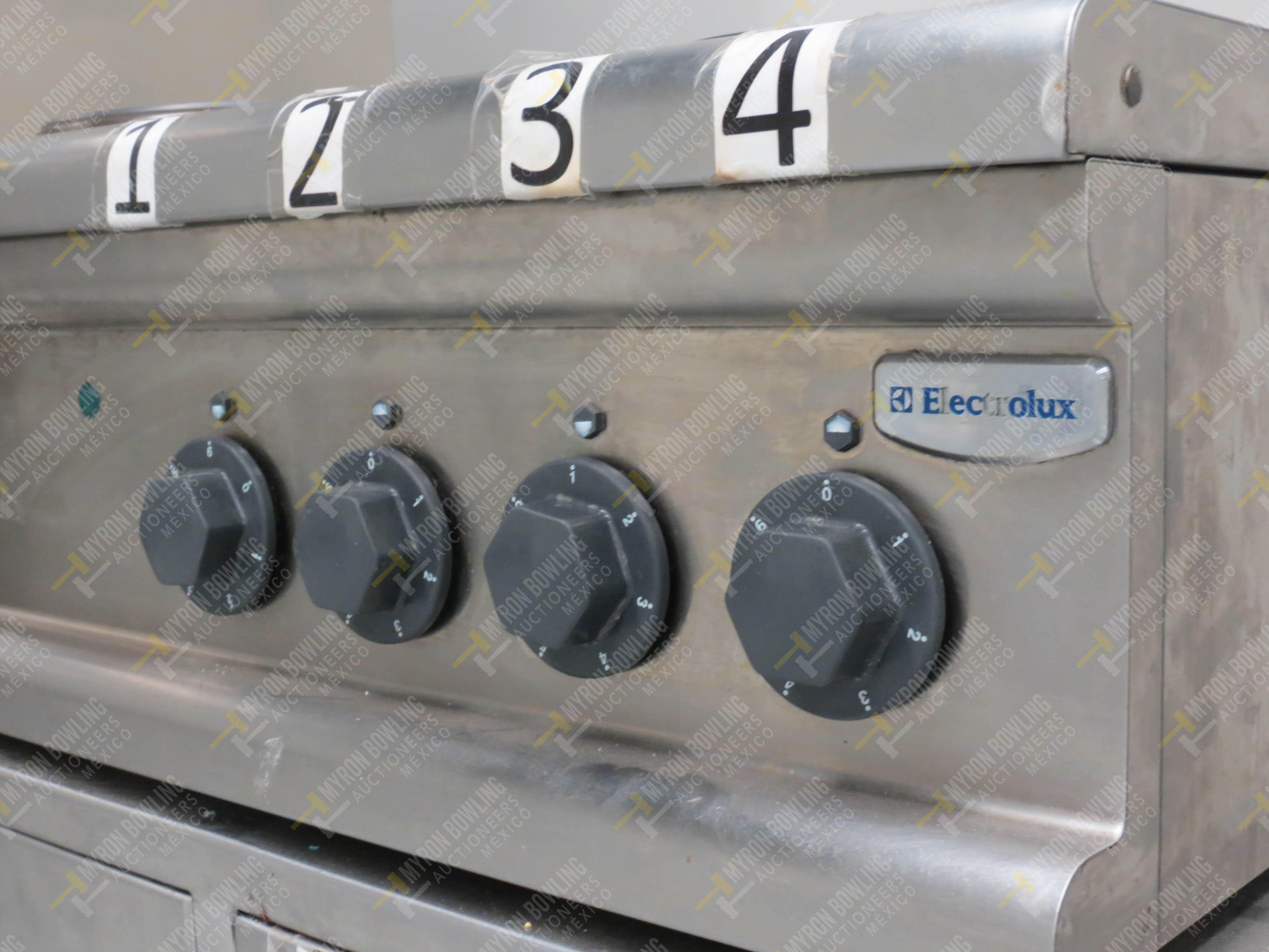 Estufa eléctrica de cuatro quemadores marca Electrolux de medidas 70 x 70 x 30 cm, … - Image 5 of 6
