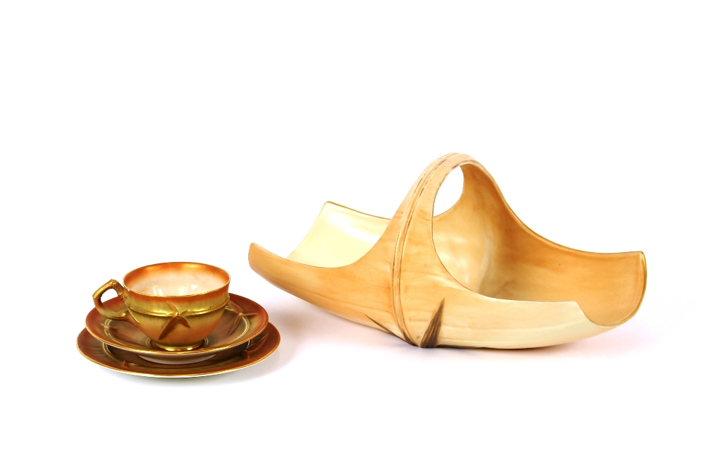 Lot 11 - A Worcester blush ivory trio, with bamboo leaf decoration; and a similar fruit basket, 27cm long