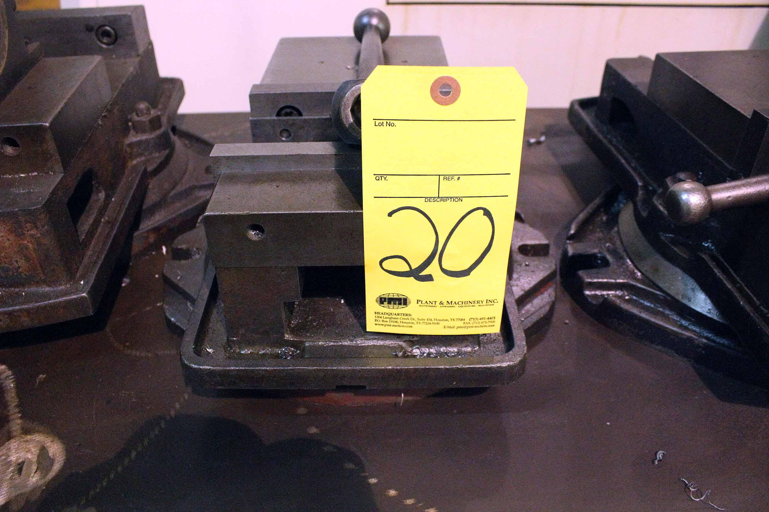 Lot 20 - MACHINE VISE