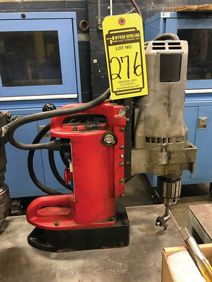 MILWAUKEE MAGNETIC BASE DRILL, MODEL 4202, S/N 50224538, 1-1/4'' CHUCK, 375/750 RPM