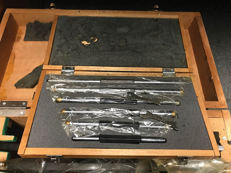 MITUTOYO 6'' TO 12'' OUTSIDE MICROMETER SET - Image 3 of 4