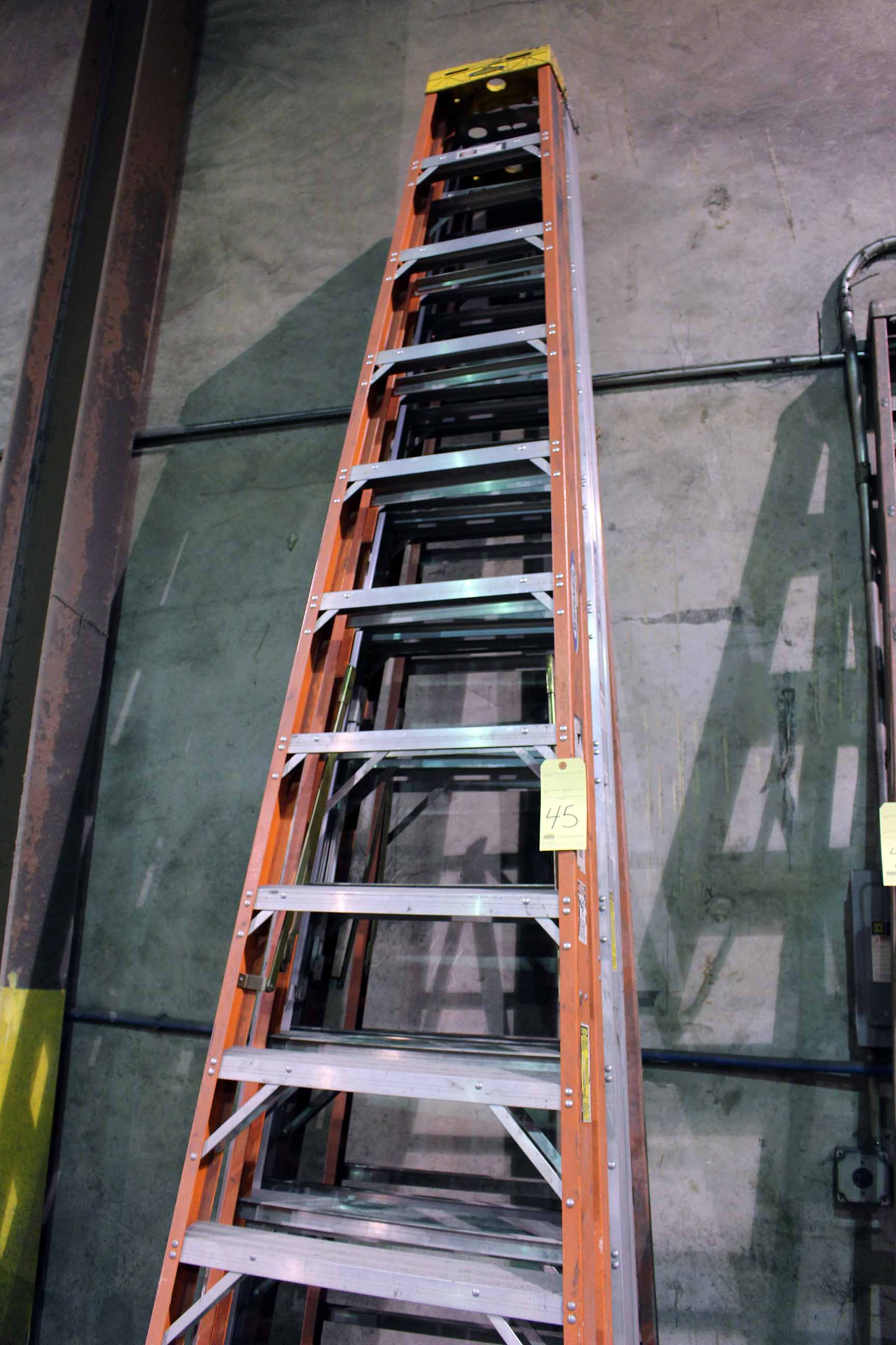 Lot 45 - LOT OF A-FRAME LADDERS, 12'