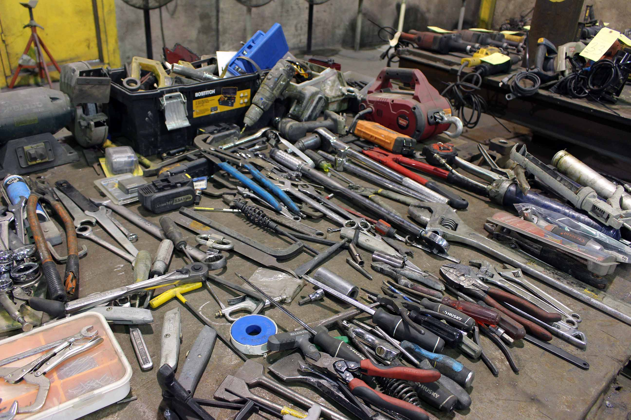 Lot 40 - LOT CONSISTING OF: misc. hand tools, wrenches, pliers, sockets, electric drills, etc.