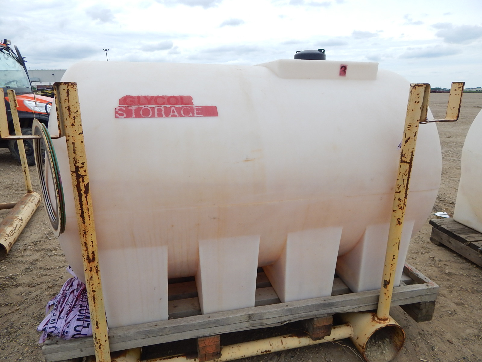 LIQUID STORAGE TANK WITH APPROX. 300GALLON CAPACITY, S/N: N/A - Image 2 of 2