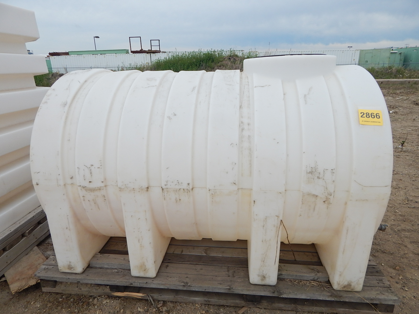 LIQUID STORAGE TANK WITH APPROX. 500GALLON CAPACITY, S/N: N/A