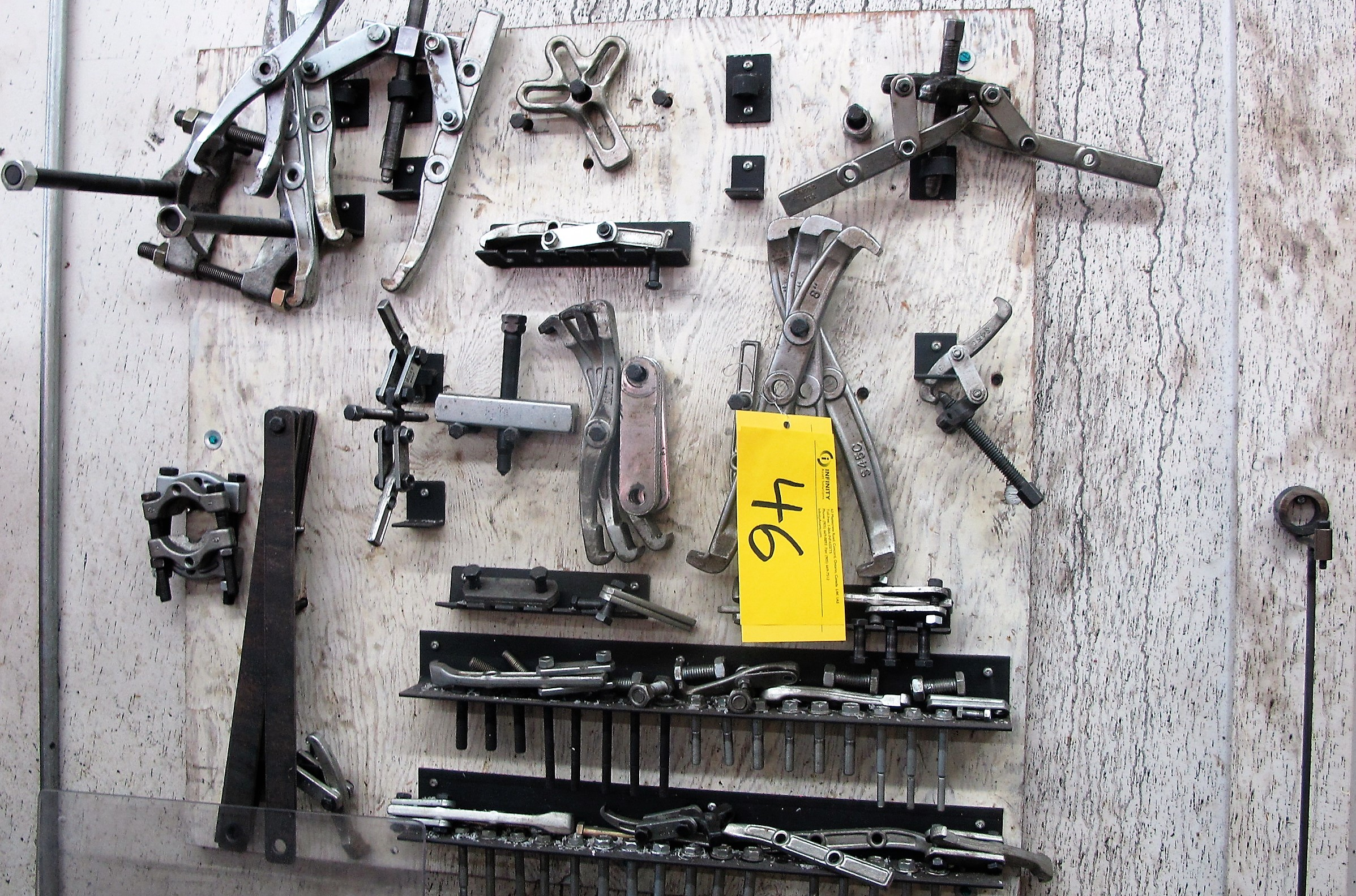 Lot 46 - ASSORTED GEAR PULLERS