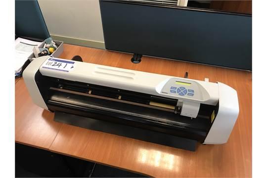 Summa Cut Vinyl Cutter, Model D60SE, Serial number: 640610