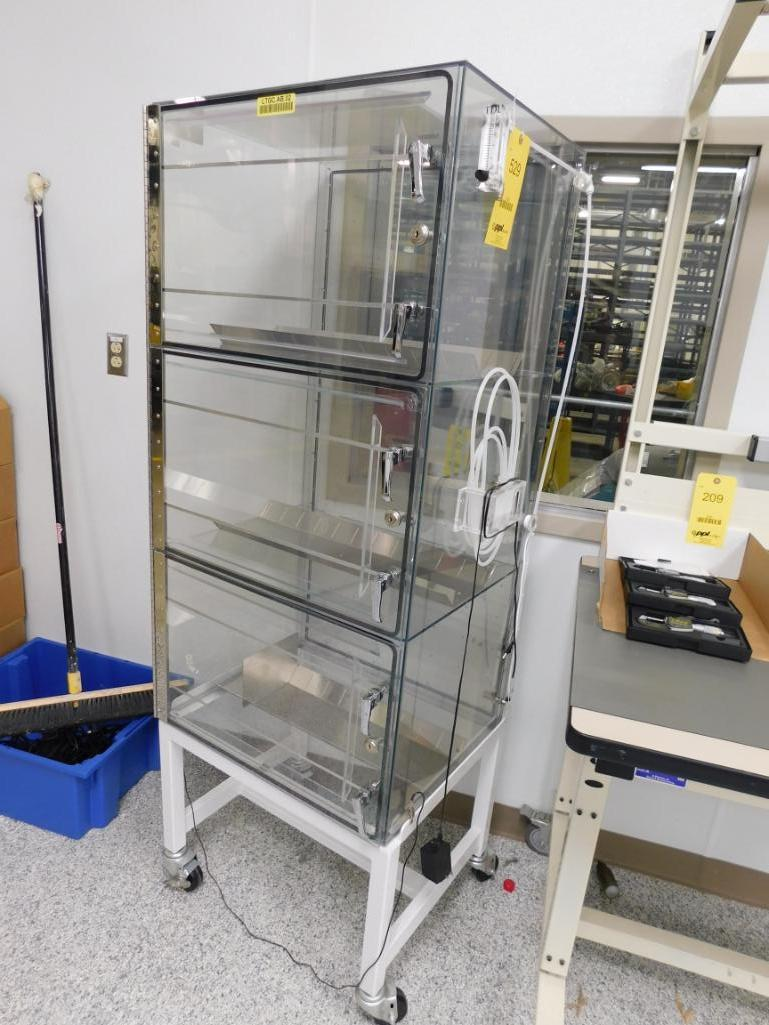 Lot 529 - IDI International Acrylic Static Dissipating 3-Door Rack