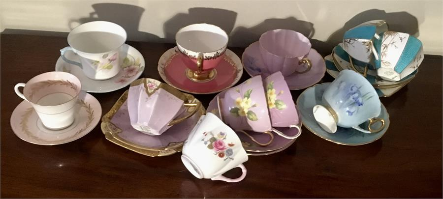 Lot 40 - Collection Shelley China tea cups, saucers and plates total 23 pieces