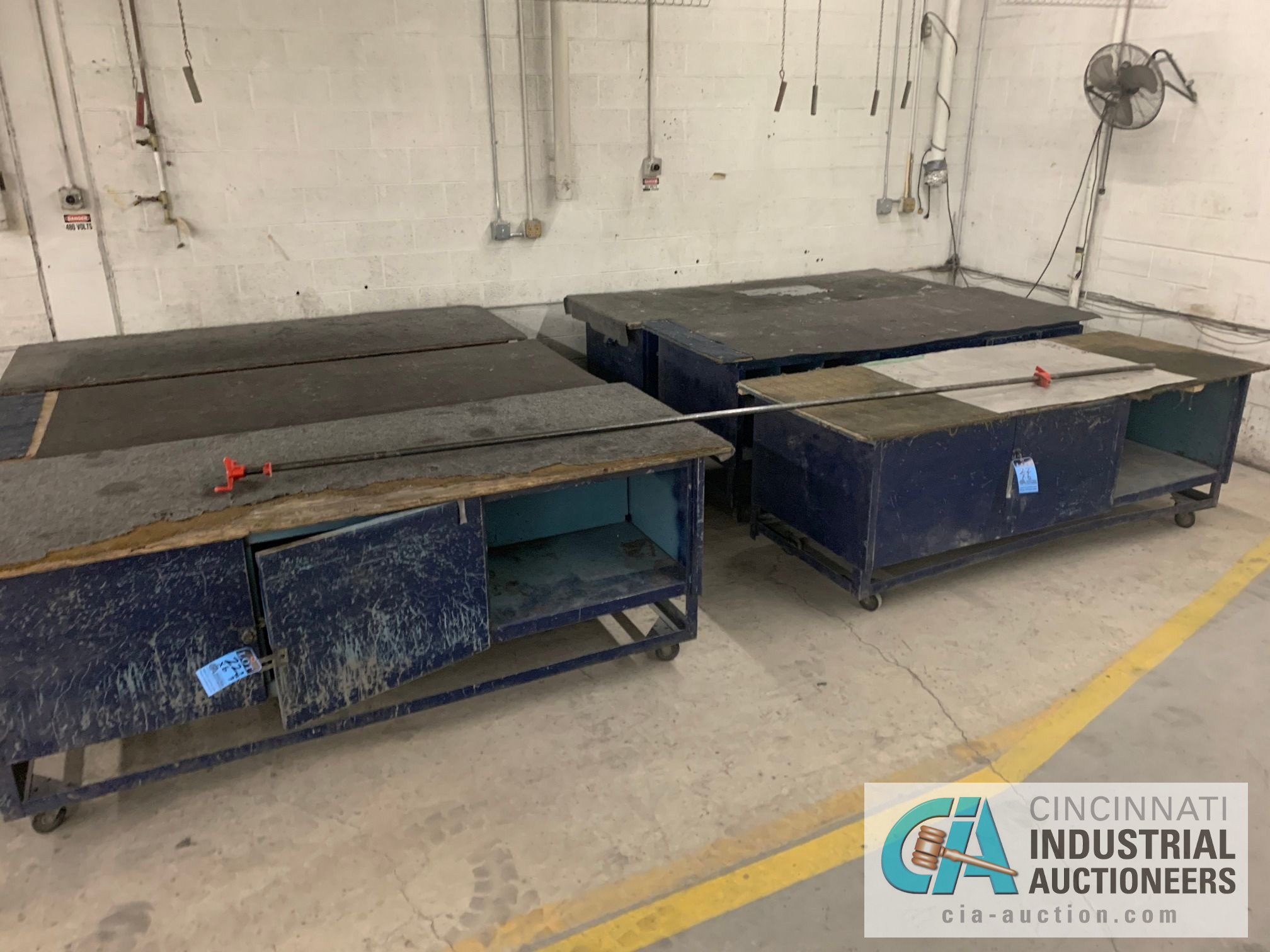 "3' X 92"" X 3' HIGH STEEL WORK BENCH CARTS - Image 3 of 3"