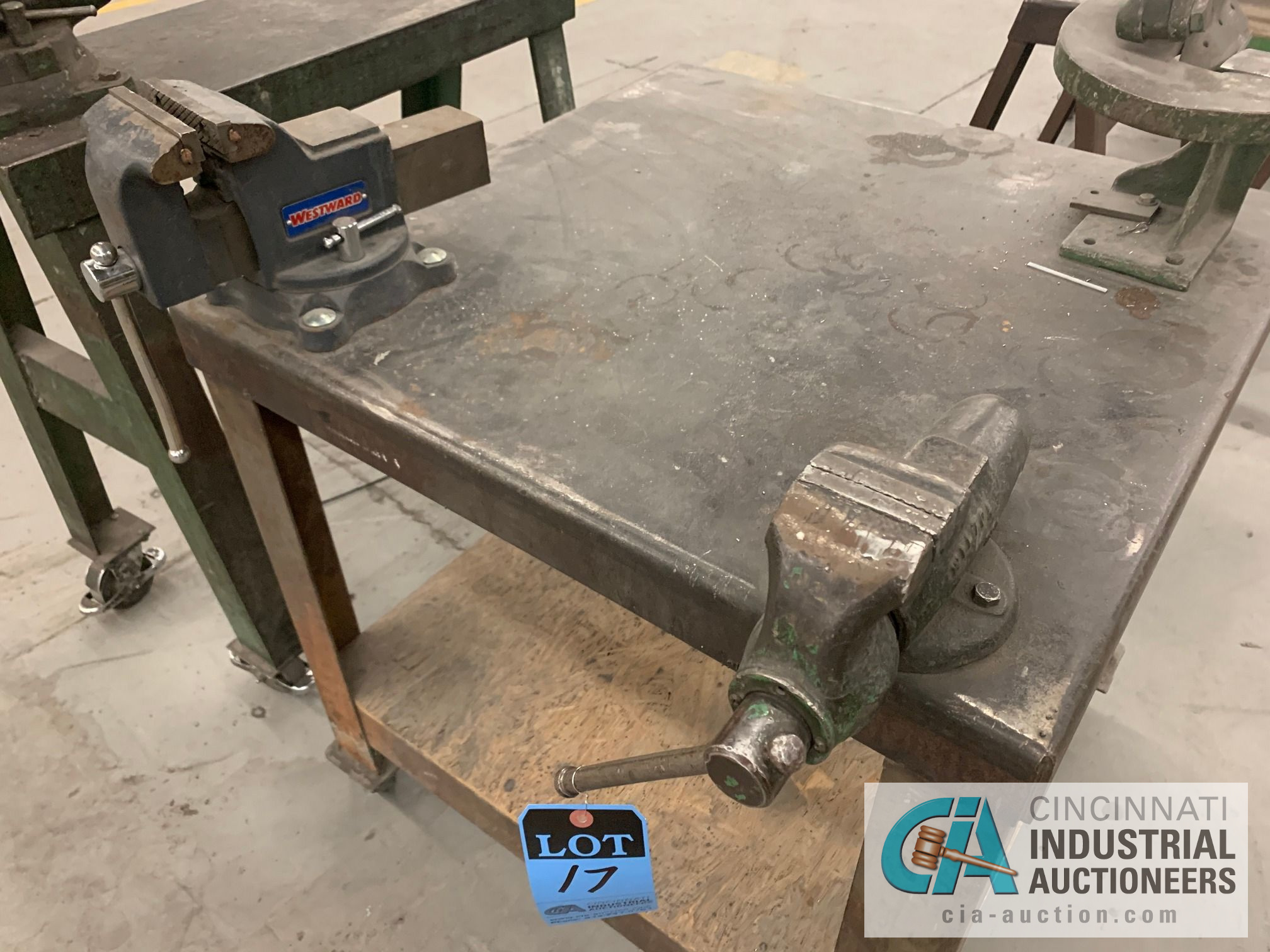 3' X 3' CART WITH (2) VISES AND SHEAR - Image 2 of 3