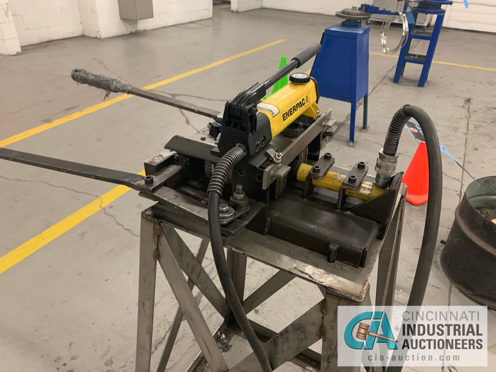 CUSTOM BUILT FORMING MACHINE AND ENERPAC HAND PUNCH - Image 2 of 5