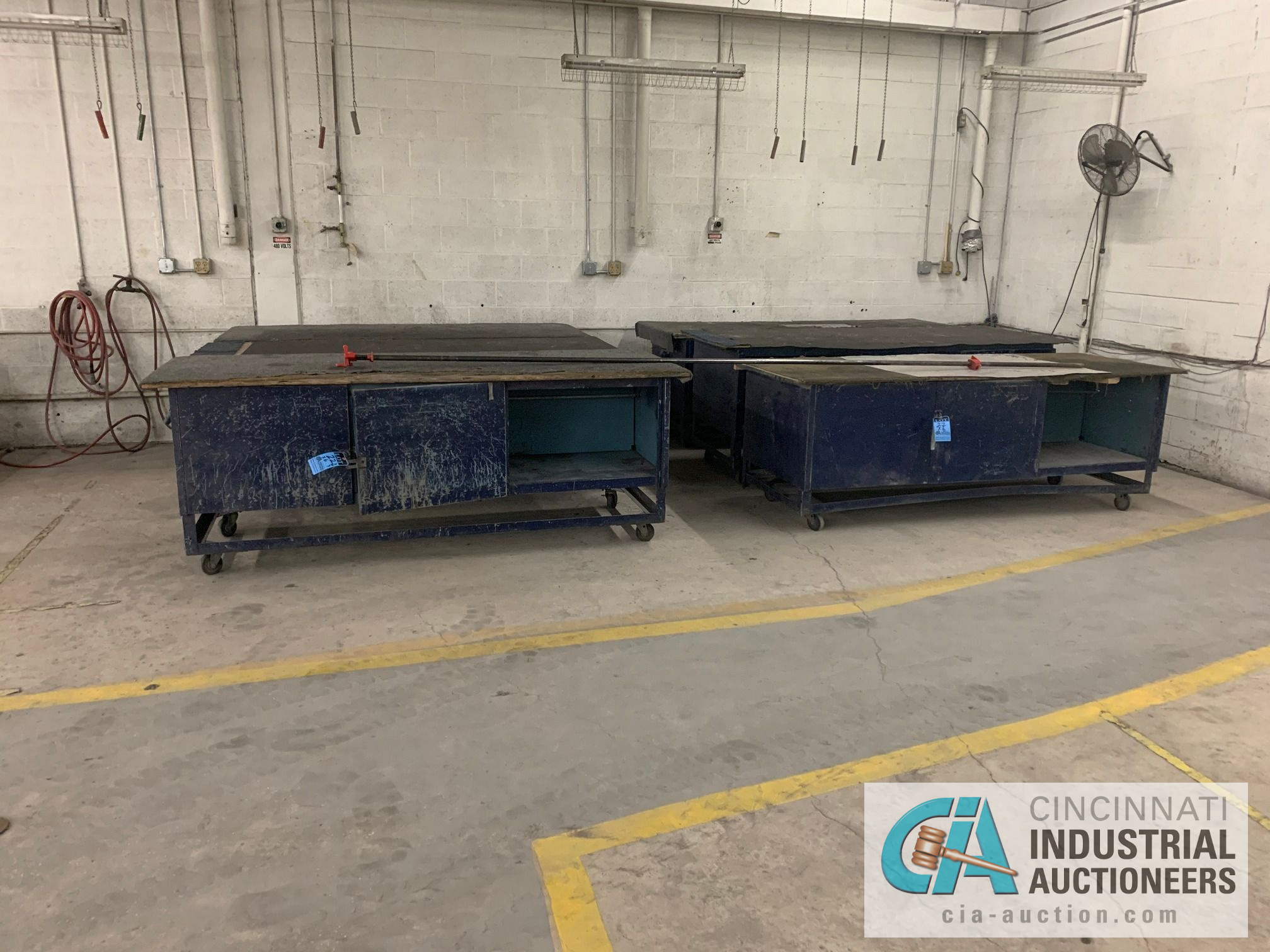"3' X 92"" X 3' HIGH STEEL WORK BENCH CARTS - Image 2 of 3"