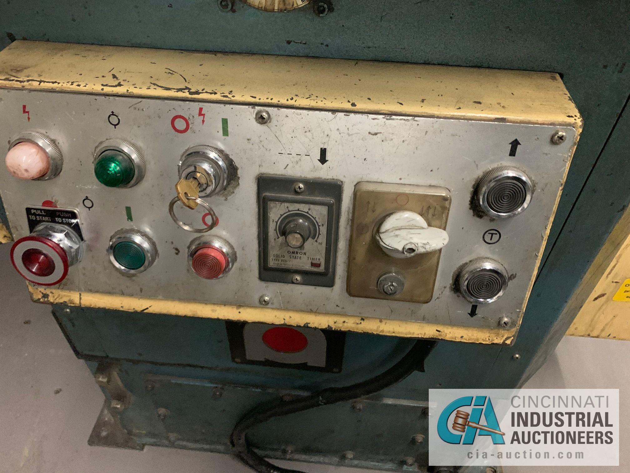 "9"" X 9"" AMADA CS-220 HYDRAULIC NOTCHER; S/N S44278, 7/8"" STROKE, 10 TON, 1/8"" THICK - Image 5 of 9"
