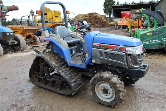 ISEKI SIAL HUNTER REAR TRACKED TRACTOR MODEL 25-3 E3CD  RUNS