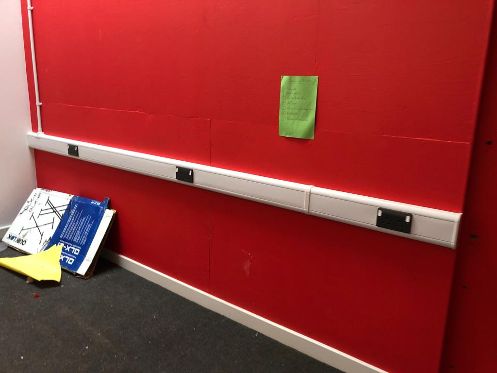 Lot 4 - QUANTITY OF TRUNKING APPROX 10M *NO VAT*
