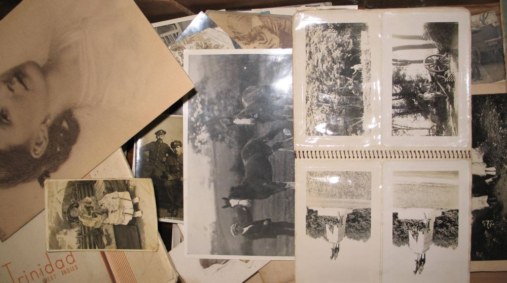 Lot 24 - PHOTOS, POSTCARDS, etc., misc. mostly 20th c. (1 box).