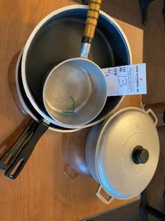 (4) assorted skillets