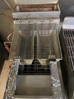 Dean double basket gas deep fat fryer - Image 3 of 3