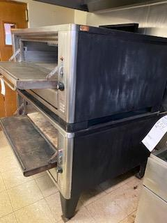Blodgett natural gas double stackable pizza oven Extremely clean - Image 4 of 4