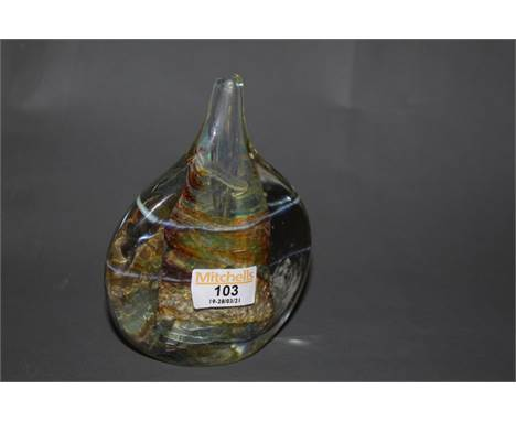 An Isle of  Wight studio glass vase, with moulded mark to base, 14.5 cm in height