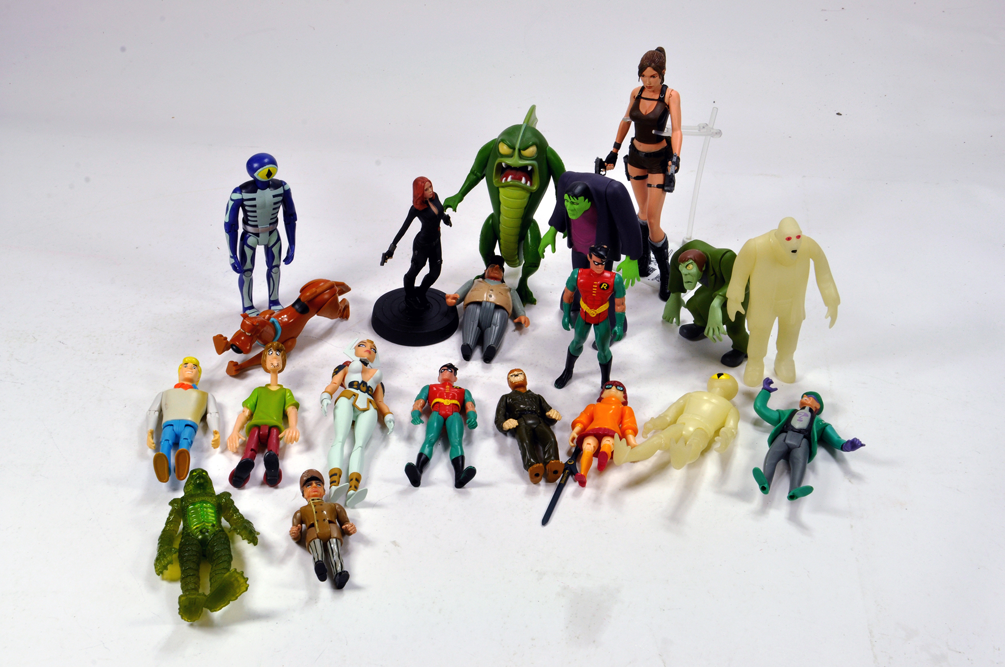 Lot 582 - Modern Issue TV Related Plastic Figure group comprising Scooby Doo and others.