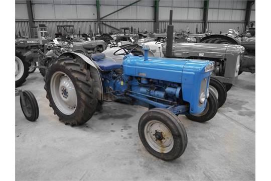 1964 fordson super dexta 3cylinder diesel tractor reg no abn 873b rh bidspotter eu fordson super dexta tractor workshop manual piese tractor fordson super dexta