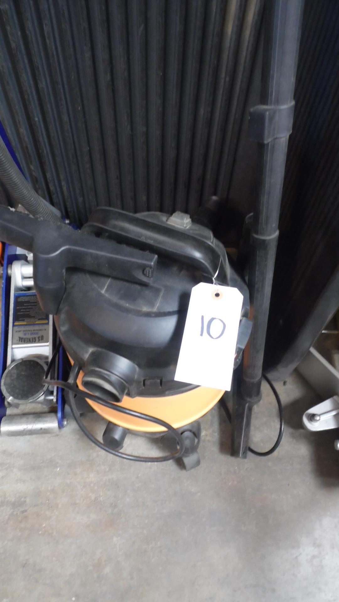 Lot 10 - CHICAGO 5-GALLON WET / DRY VAC